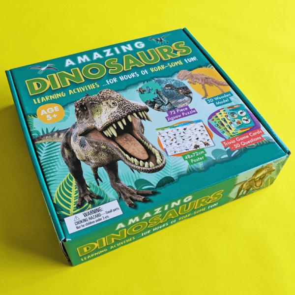 Amazing Dinosaurs Activity Set